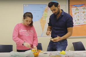 Culture and cooking with Israeli shaliach Itsik Sayag