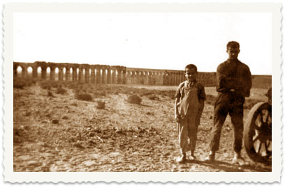 1922, After the family's immigration to Israel: Aharon (R) and Teddy Cucuy near Akko